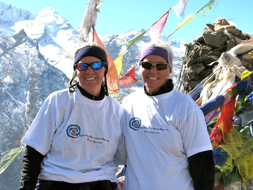 joey blue and karla demers trekking in Nepal