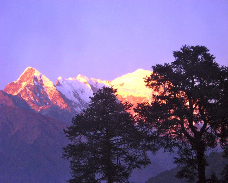 nepal-4-mountains-at-sunset
