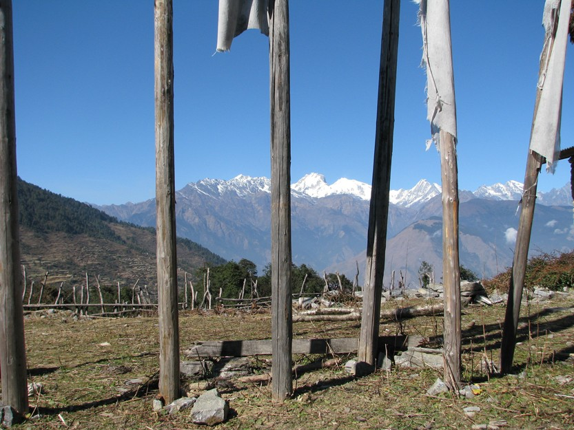 nepal-12-mountains-and-fenc